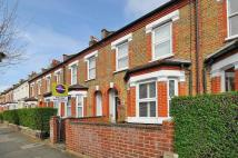 2 bedroom house in Caxton Road, Wimbledon...