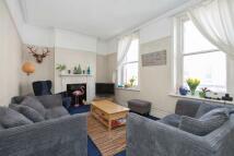 2 bedroom Flat in Leopold Road, Wimbledon...