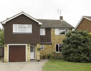 4 bed Detached property to rent in Roundwood Lane...