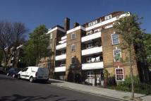 Flat in Hazellville Road, London...
