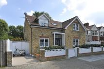 5 bedroom Detached house in Magdalen Road, London