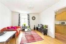 Flat in Northcote Road, London