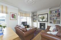 3 bedroom Flat in Tregarvon Road...