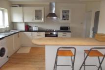 4 bedroom property in Great North Way NW4