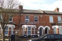 Apartment to rent in Ravenhurst Avenue NW4