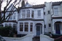 2 bed Flat to rent in Rosebery Road...