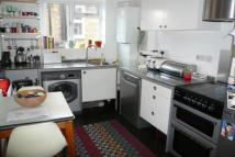 Flat to rent in Palmerston Road N22
