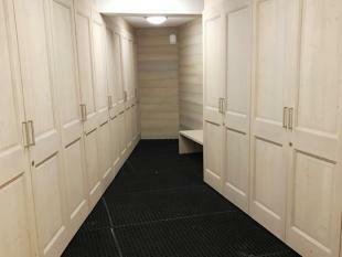 Ski room and lockers