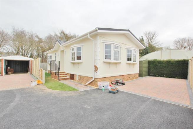 2 Bedroom Park Home For Sale In Stour Northbourne