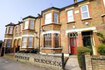 2 bed Ground Flat in Pulteney Road, London...