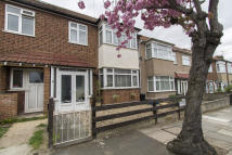 3 bed Terraced home to rent in Oakdale Road, London, E18