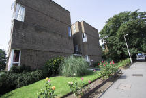 2 bed Ground Maisonette in Woodleigh, Churchfields...