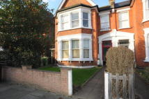 Flat to rent in Bargery Road, Catford...