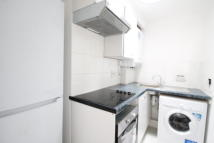 Studio apartment in Davenport Road, Catford...