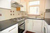 2 bedroom Flat to rent in Honley Road, Catford, SE6