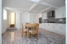 Flat to rent in Smitham Downs Road...
