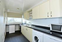 Flat to rent in Cornhill Square...