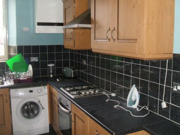 (4) 4a Don Street, Kitchen