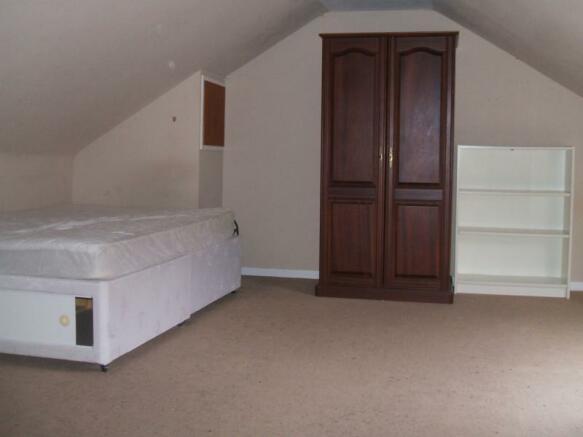 (6) 4a Don Street, Bedroom