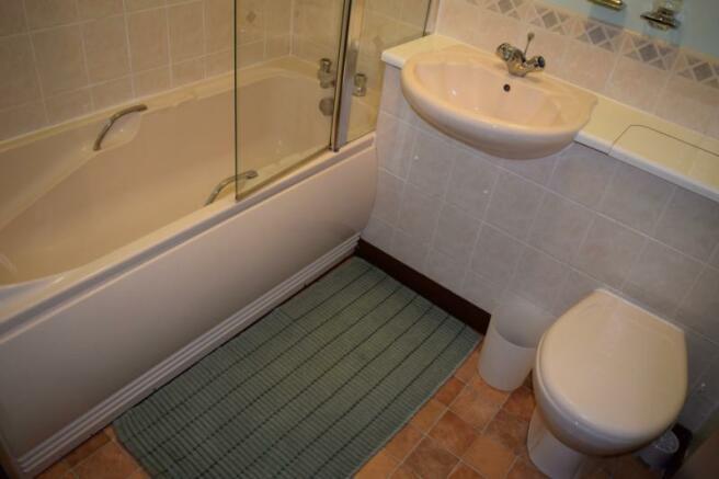 Picktilum Place Bathroom