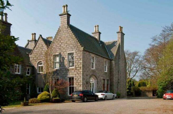 2 Beaconhill House - External_640x421