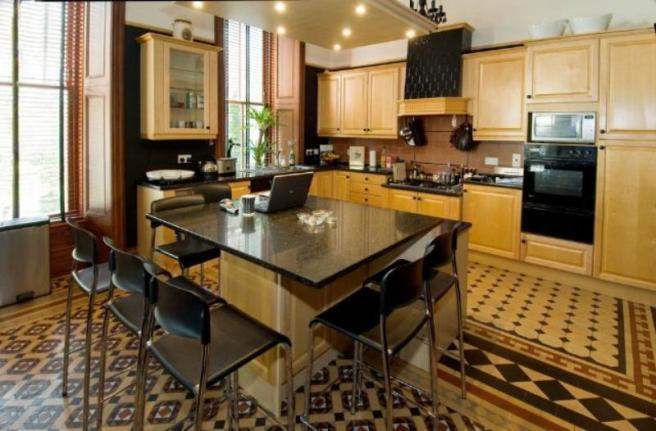 2 Beaconhill House - Kitchen_640x421