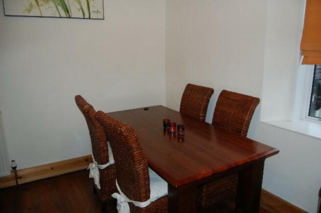 5 HR - Dining Area_640x425