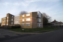 2 bedroom Flat in Howards Close HA5