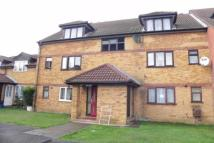 2 bed Flat to rent in Springwood Crescent, HA8