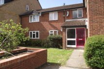 1 bed Flat to rent in Springwood Crescent...