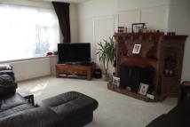 Ash Tree Dell Ground Flat to rent