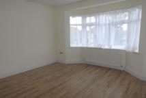 4 bed property to rent in Deans Lane, Edgware HA8