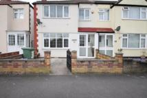 Kingsmead Avenue End of Terrace house to rent