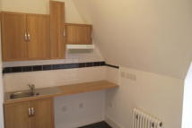 Flat to rent in Baldry Gardens...
