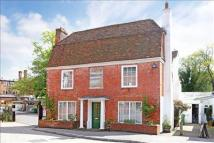 property for sale in 5 Vicarage Hill, Alton, Hampshire, GU34 1HT