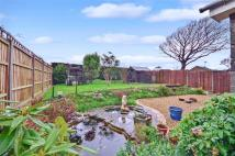 3 bed Bungalow in Parkway, Freshwater...