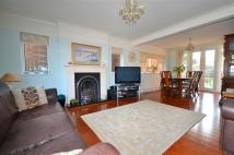 5 bedroom Detached property in Chigwell Park Drive...