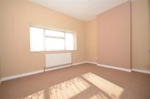 3 bed Ground Flat for sale in Bevan Way, Hornchurch...