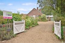 4 bed Bungalow in Claypit Lane...