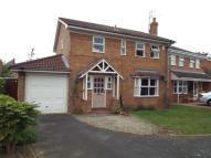 Detached property in Columbine Grove, Evesham...