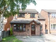 Detached property in Owlston Close, Eastwood...