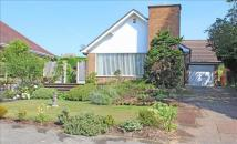5 bed Detached property in Chatsworth Close...