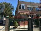 Town House in 1156 Jefferson Avenue...