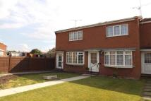 Town House to rent in Saville Way, Warsop