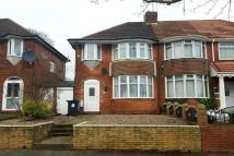 3 bedroom property to rent in Yateley Crescent...