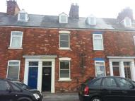 Town House to rent in 7 Grove Park, Beverley...