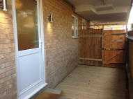 Flat to rent in MARTINS ROAD, Bromley...