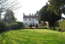 5 bedroom Detached house in CHERTSEY, SURREY