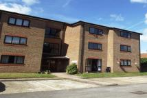 Apartment to rent in High Street, Addlestone...