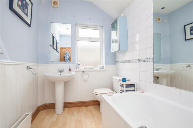 28 Monmouth Bathroom